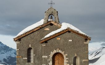 Bild: Kirche im Schnee               von www.pixabay.com